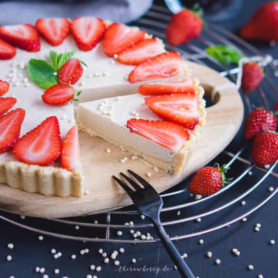 Cheesecake, Käsekuchen, Erdbeeren, Strawberries, Cake, Kuchen, Dessert, lecker, vegan, sugar free, dairy free, gluten free, laktosefrei, gesund, clean eating, healthy, food, essen