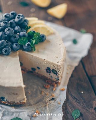 healthy, cake, gesund, kuchen, raw, roh, vegan, lecker, delicious, blueberries, Blaubeeren, Zitrone, Lemon, Cheesecake, Käsekuchen, clean eating, rohvegan, gluten-free, glutenfrei, zuckerfrei, sugar free, easy, recipe, rezept, whole foods, Vollwertkost