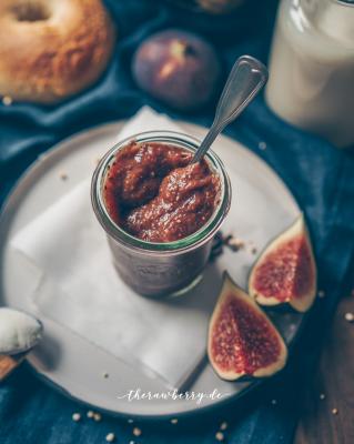 fig jam marmalade vegan therawberry bagels 3