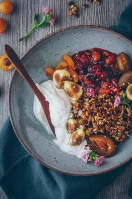 plums, granola, breakfast, bowl, easy, vegan, healthy, recipe, quick, simple, foodie, whole foods, dairy free, good morning, happy food, nourishing